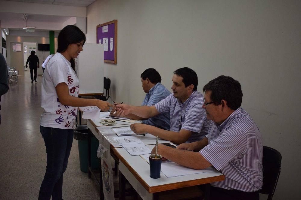 Estudiantes de la Facultad de Ciencias Medicas eligen a sus Representantes ante el Consejo Directivo