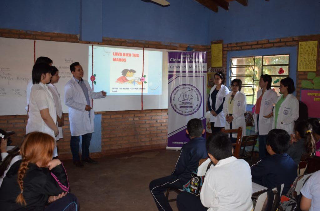 POSITIVA REPERCUSIÓN DE LAS CHARLAS, REALIZADAS EN INSTITUCIONES  EDUCATIVAS POR ALUMNOS DE FCM.