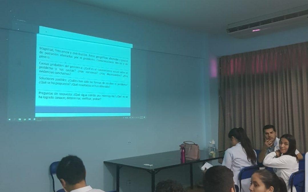 Taller sobre redacción del protocolo con los alumnos de 6to año