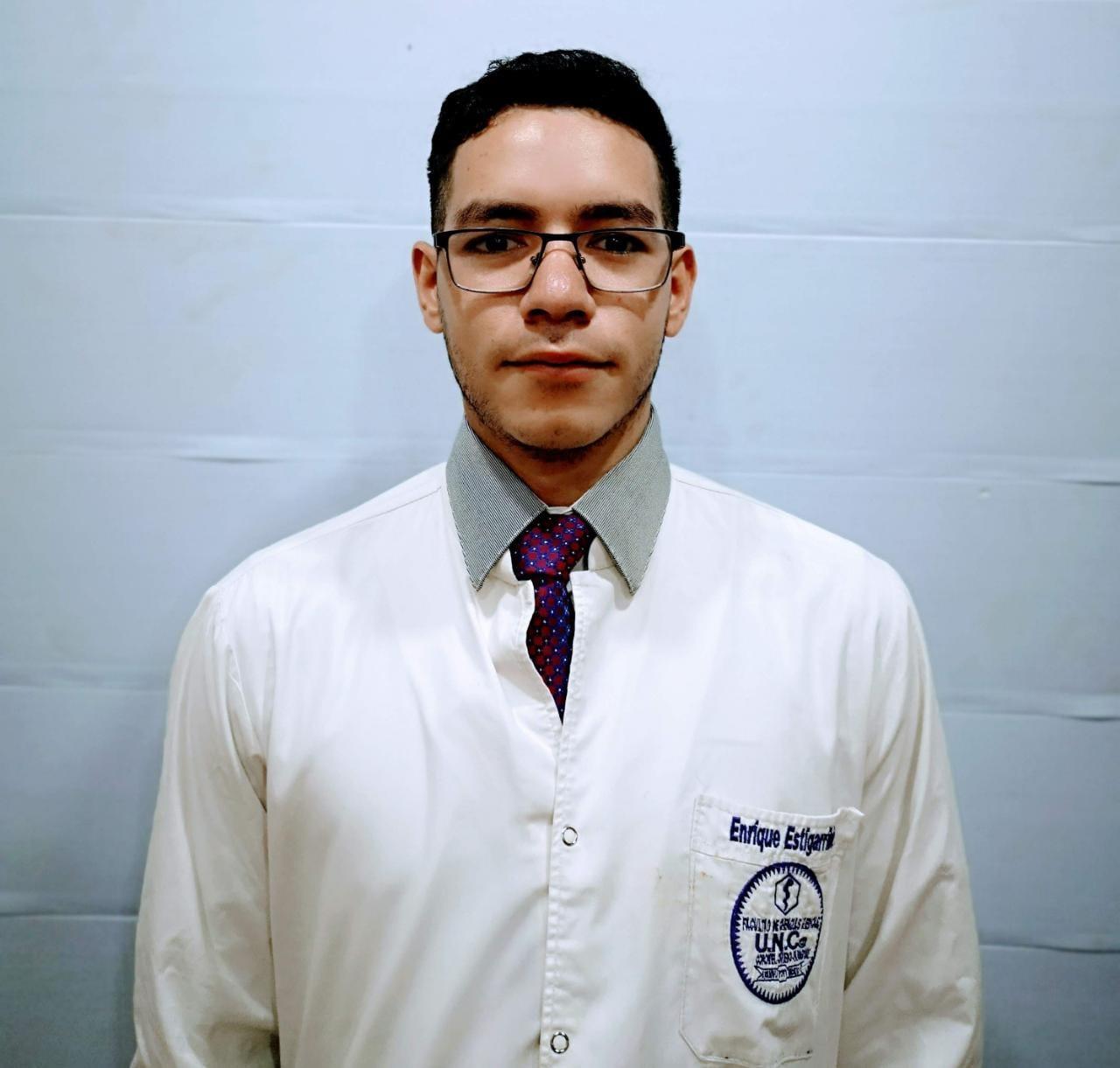 Univ. Enrique Daniel Estigarribia Gómez