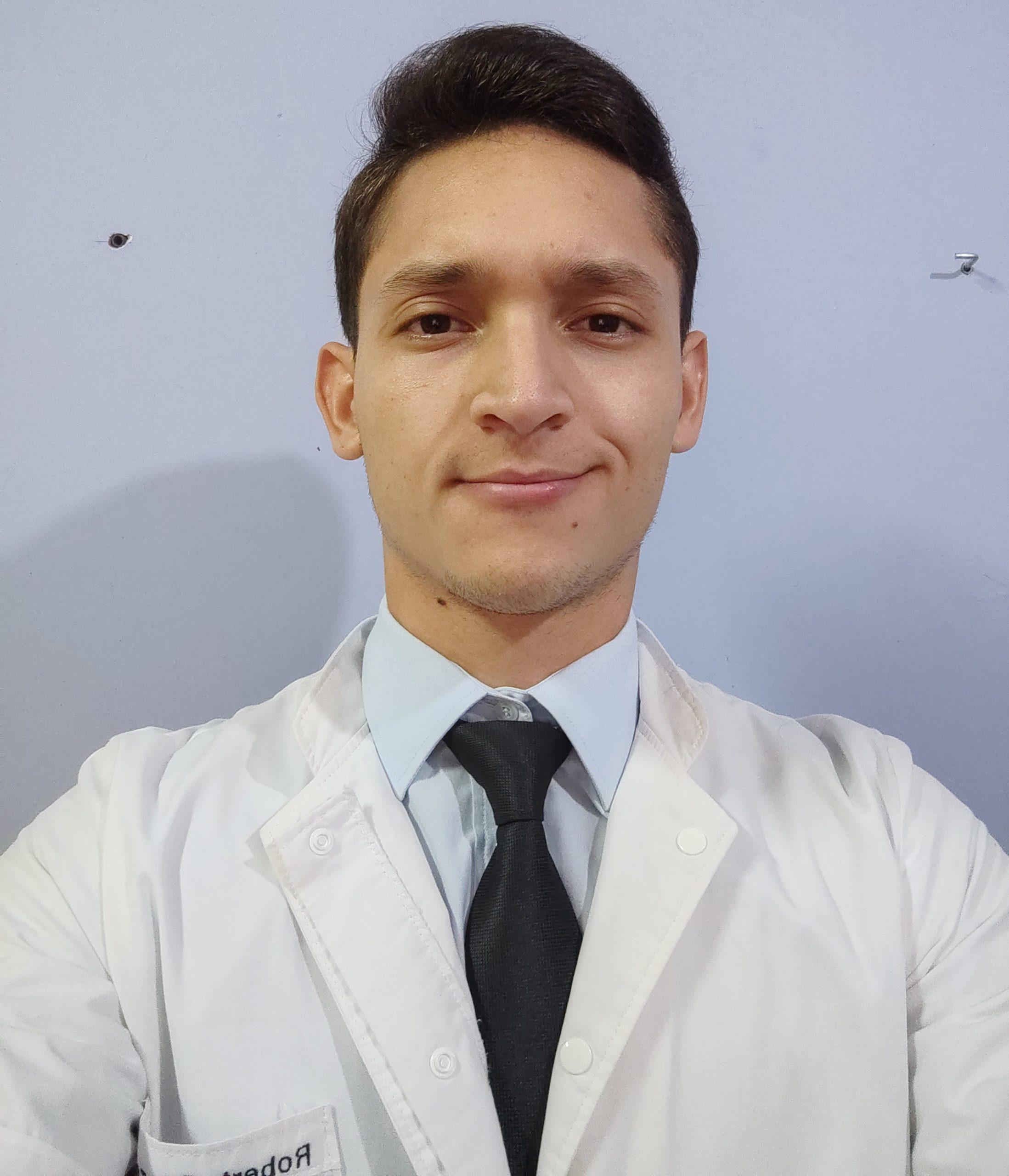 Univ. Robert Ronaldo González Martínez