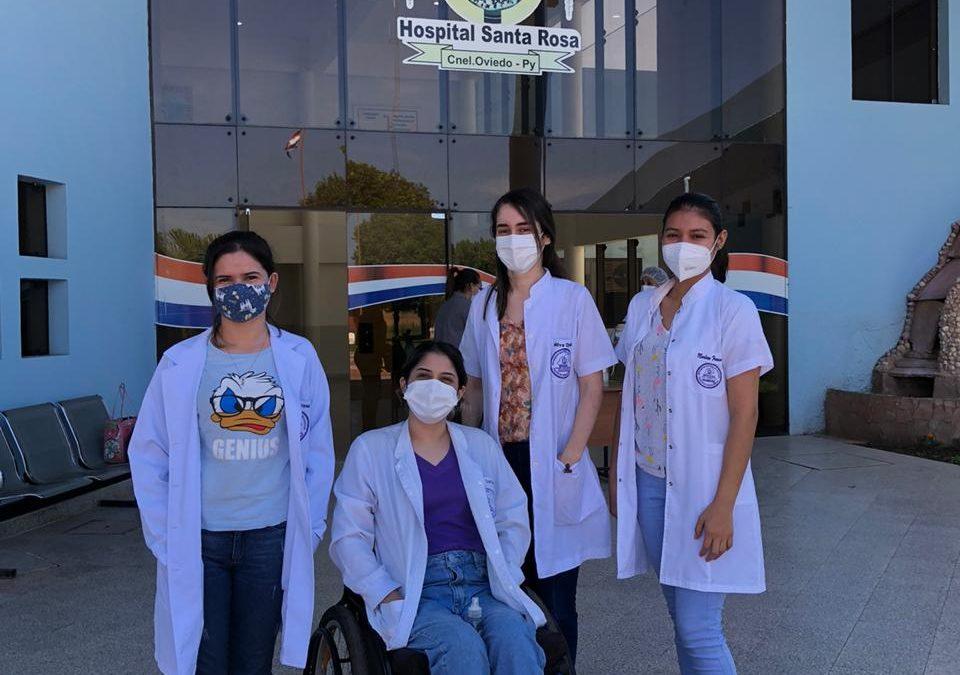 Estudiantes de la carrera de Medicina de la Facultad de Ciencias Médicas apoyan campaña de vacunación contra el COVID-19